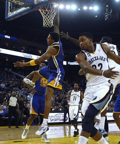breaking brandon rush tears acl out for season