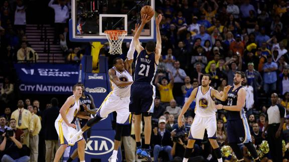 dm_131121_nba_grizzlies_warriors