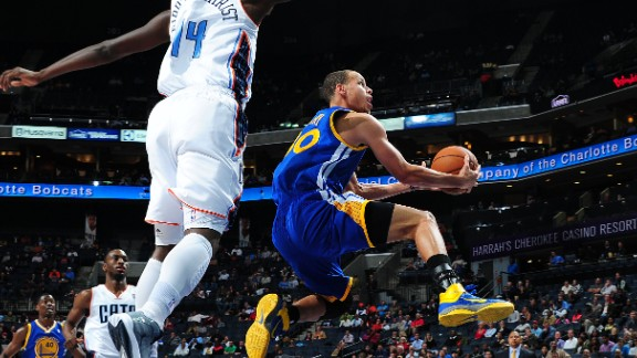 121210220847-121012-steph-curry-vs-bobcats_main-video-player