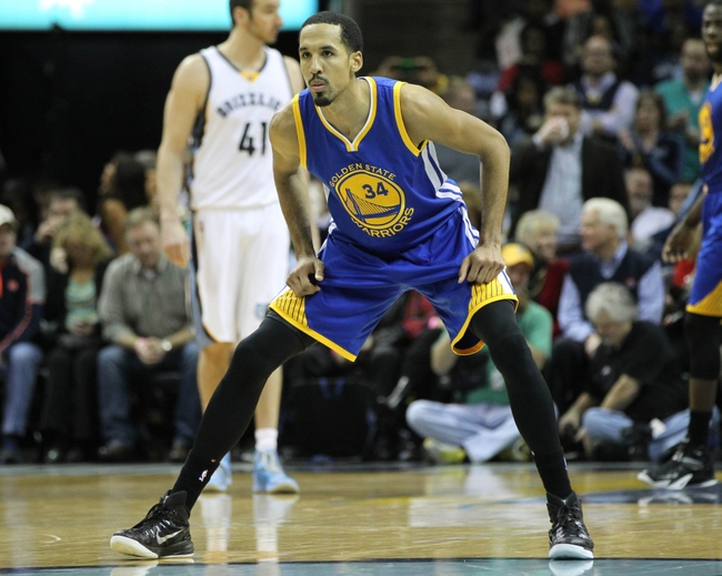 Dec 16, 2014; Memphis, TN, USA; Golden State Warriors guard Shaun Livingston (34) during the game against the Memphis Grizzlies at FedExForum. Mandatory Credit: Nelson Chenault-USA TODAY Sports