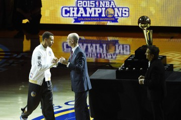 Stephen Curry Gets Ring