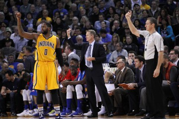 Jan 22, 2016; Oakland, CA, USA; Golden State Warriors head coach Steve Kerr directs his team during a break in the action against the Indiana Pacers in the second quarter at Oracle Arena. Mandatory Credit: Cary Edmondson-USA TODAY Sports