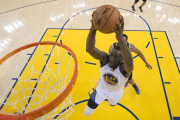 Draymond Green Dunks