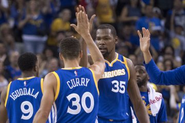 9676250-kevin-durant-stephen-curry-nba-phoenix-suns-golden-state-warriors