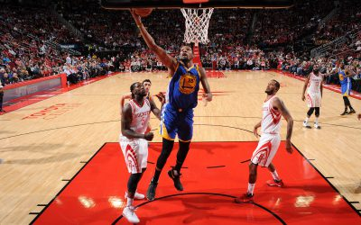 HOUSTON, TX - JANUARY 20: Kevin Durant #35 of the Golden State Warriors shoots the ball against the Houston Rockets during the game on January 20, 2017 at the Toyota Center in Houston, Texas. NOTE TO USER: User expressly acknowledges and agrees that, by downloading and or using this photograph, User is consenting to the terms and conditions of the Getty Images License Agreement. Mandatory Copyright Notice: Copyright 2017 NBAE (Photo by Garrett Ellwood/NBAE via Getty Images)