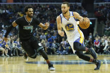 Feb 10, 2017; Memphis, TN, USA; Golden State Warriors guard Stephen Curry (30) moves in the second half as Memphis Grizzlies guard Mike Conley (11) defends at FedExForum. Golden State defeated Memphis 122-107. Mandatory Credit: Nelson Chenault-USA TODAY Sports