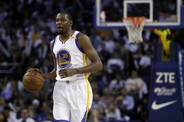 Golden State Warriors' Kevin Durant (35) during the second half of an NBA basketball game against the Los Angeles Lakers Wednesday, April 12, 2017, in Oakland, Calif. (AP Photo/Marcio Jose Sanchez)