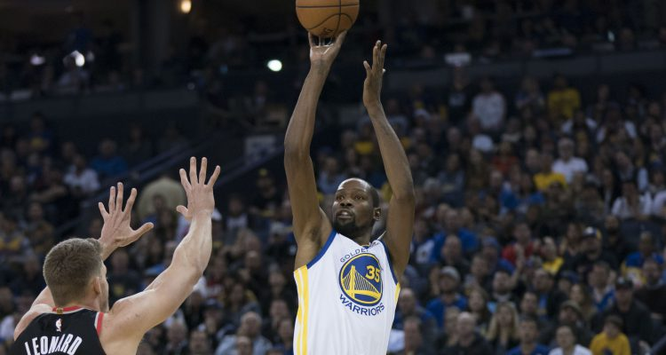 Highlights: Warriors return home to beat Blazers without three starters