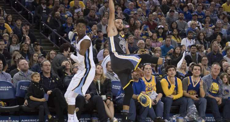 Stephen Curry Scores 38 Points vs. Grizzlies in Return from Ankle Injury